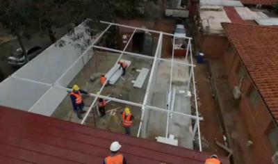 HOY / Pabellones modulares están en fase avanzada de construcción