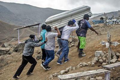 Perú regista menor cifra de decesos por covid-19 en casi cuatro meses
