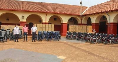 La Nación / Taiwán dona 100 sillas de ruedas a gobernación