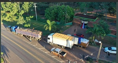 """Dos camiones del ESQUEMA del """"Ing. José"""" cayó en Curuguaty"""