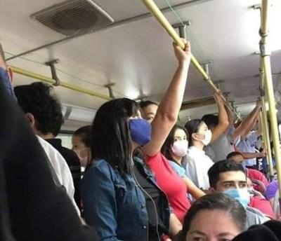 Aglomeración de pasajeros y no uso de tapabocas, denuncias constante ante Viceministerio de Transporte