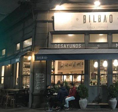 Argentina: Prohibirán entrada de políticos a cadena de bares de Santa Fe como medida de protesta
