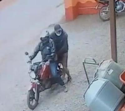 Dos bandidos roban 300 mil guaraníes y un celular en asalto – Diario TNPRESS