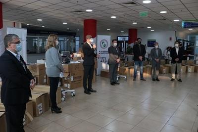 Ministerio de Salud entrega 16 nuevos respiradores a Hospital Integrado Ingavi