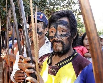 Indígenas hacen gratis el papel de costosos asesores, equipos de inteligencia y soldados de élite