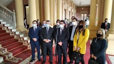 Abdo con legisladores de oposición en Palacio, con la inseguridad como agenda