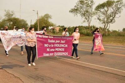 Marchan en apoyo a una mujer víctima de violencia durante 11 años en San Ignacio
