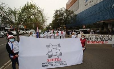 HOY / Funcionarios del Hospital del Trauma protestan por recorte presupuestario
