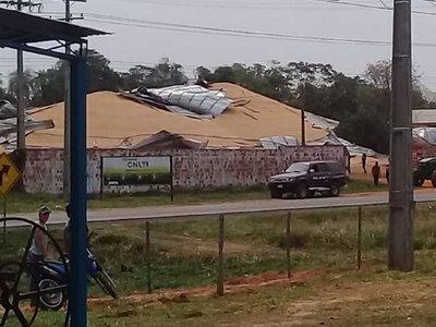 Se derrumbó un silo con 20.000 kilos de maíz en San Pedro