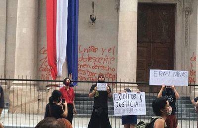 Caso Panteón de los Héroes: Cancillería averigua con Argentina la situación de imputadas