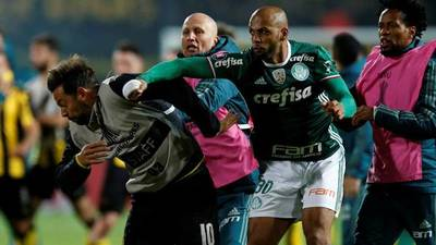 """Lástima que no jugué contra ese racista de m…"" Felipe Melo defendió a Neymar"