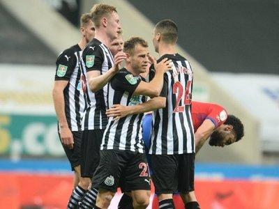 Almirón asiste en el triunfo del Newcastle