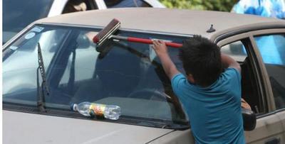 Imputan a madres que obligan a sus hijos a trabajar en la calle