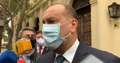 """La Nación / """"Cachito"""" Salomón toma precauciones ante contacto con la senadora Samaniego"""