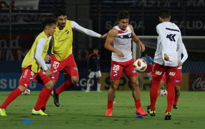 Nacional enfrenta a Cerro con 10 juveniles en planilla
