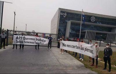 Protesta frente a la APF