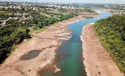 Bajantes de ríos Paraguay y Paraná a punto de cortar navegación, advierten