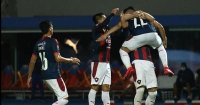 Cerro Porteño triunfa ante Nacional y se aleja en la punta