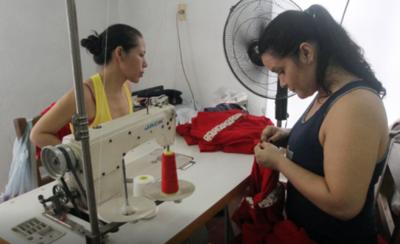 HOY / Ministerio de Trabajo impulsa reinserción de mujeres privadas de libertad