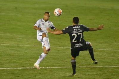 Olimpia rescata un valioso empate en Vila Belmiro