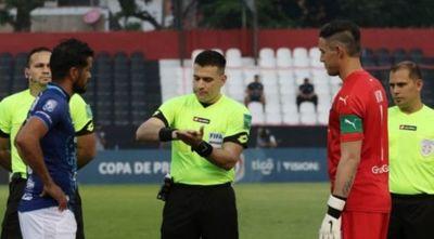 Cerro y Nacional jugarán con otra terna arbitral