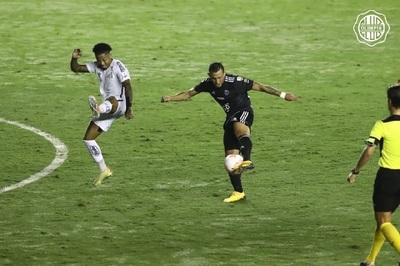 Olimpia suma importante punto ante Santos en Brasil