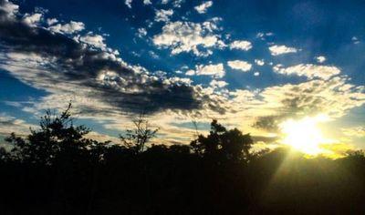 Miércoles fresco a cálido y con lluvias, anuncia Meteorología
