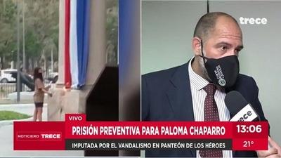 Joven irá a prisión por quema de bandera en el Panteón