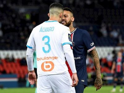 Dos partidos de suspensión para Neymar por incidente en el clásico