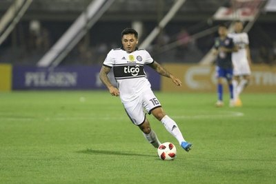 Olimpia le rescindirá el contrato a Tabaré Viudez