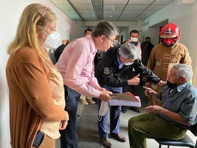Marito rescata a taxista que reclama atención hace 8 años