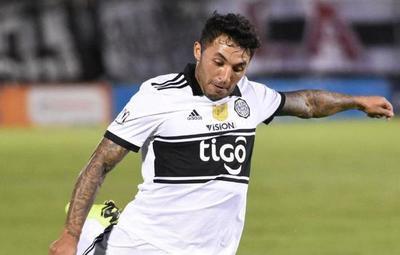 ¿Se va? Olimpia rescindiría contrato con el uruguayo Tabaré Viudez