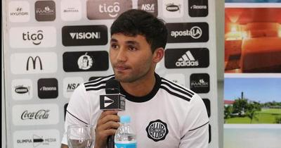 Olimpia rescindirá contrato con Tabaré Viudez
