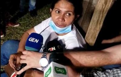 Obdulia Florenciano se crucifica frente a la FTC y emplaza al ministro del Interior