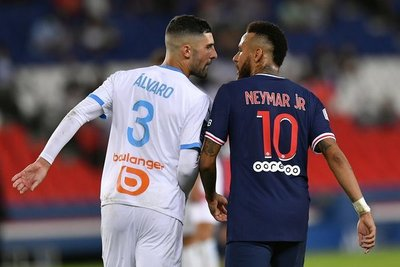 Dos fechas de suspensión para Neymar