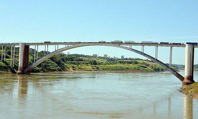 COVID-19: Aduanas controlará puestos de comercio en fronteras con Brasil