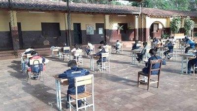 """Crónica / OTEP-A pidió no dejar """"so'o"""" el año escolar"""