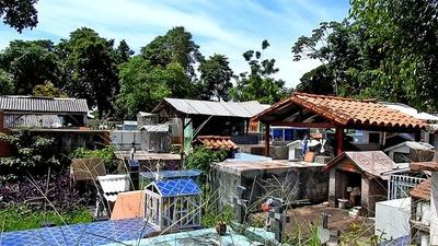 En FRANCO quieren que los CEMENTERIOS municipales sea solo para los FRANQUEÑOS