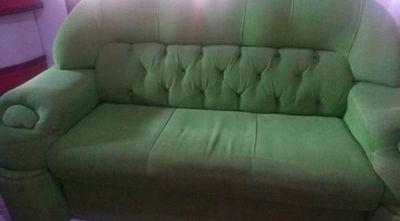 Tragedia casera: joven muere al saltar de un sofá