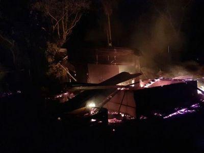 Horqueta: Desconocidos queman retiro de una estancia