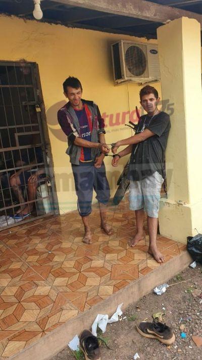 POLICIAS DETIENEN A DOS PERSONAS EN EL BARRIO SAN GERARDO ENTRE ELLOS UNO DE LOS FUGADOS DE LA COMISARIA SEXTA