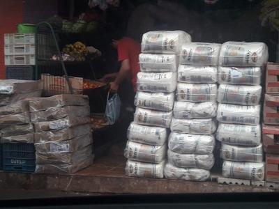 Mercado de abasto abarrotado de contrabando evidencia corrupción de funcionarios aduaneros