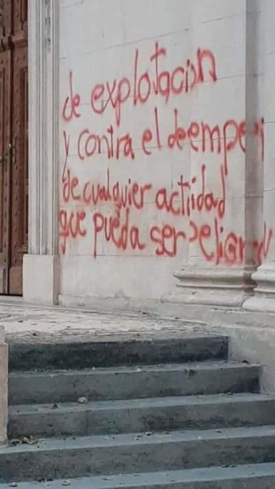 Caso daños al Panteón de los Héroes: Fiscal aclara que hombre de 83 años fue llamado a declarar, pero no hay imputación