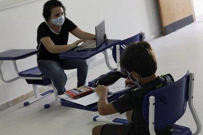 Brasil: ministro de Educación debe explicar al Congreso cómo retornarán las clases presenciales