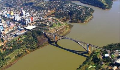 Paraguay y Brasil acordaron para reactivar economía fronteriza: Comerciantes estimada que a fines de septiembre Puente de Amistad será reabierto