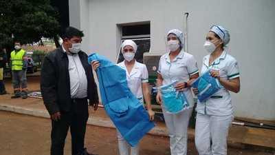 Entregan equipos de bioseguridad en el IPS de Coronel Oviedo – Prensa 5