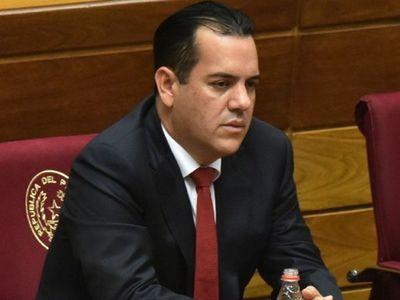 Cartismo no logra los votos para tratar pérdida de investidura de Rodolfo Friedmann