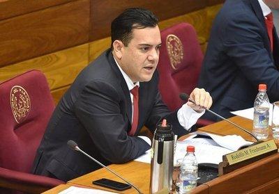 Senadores postergan por tiempo indefinido el tratamiento de la pérdida de investidura de Rodolfo Friedmann