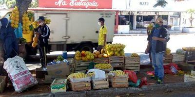 Comercios sufren bajón de hasta 50 % en ventas y acusan agobio de informales en Asunción