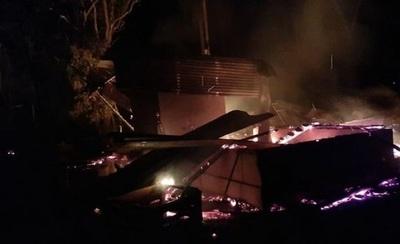 Desconocidos quemaron retiro de estancia en Horqueta